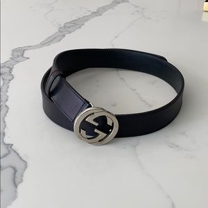 Gucci Leather Belt with Silver Double Gs